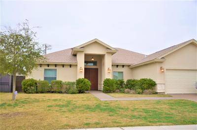Single Family Home For Sale: 154 Lake Carnegie Ct.