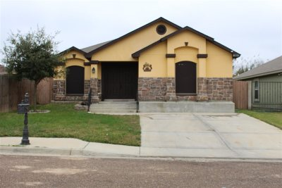 Laredo TX Single Family Home For Sale: $156,800