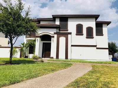Laredo TX Single Family Home For Sale: $220,000
