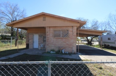 Zapata County Single Family Home For Sale: 702 Miraflores Ave