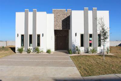 Laredo Single Family Home For Sale: 5404 Ensenada Dr.