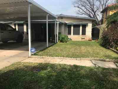 Single Family Home For Sale: 1812 Okane St