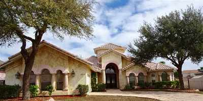 Laredo Single Family Home For Sale: 304 Emerald Lake Dr