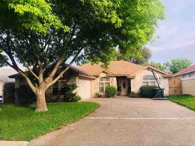 Laredo Single Family Home For Sale: 1704 Kingwood Dr