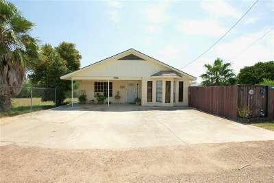Zapata Single Family Home For Sale: 5405 Victoria Ln.