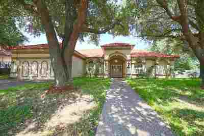 Laredo Single Family Home For Sale: 8107 Estate Dr