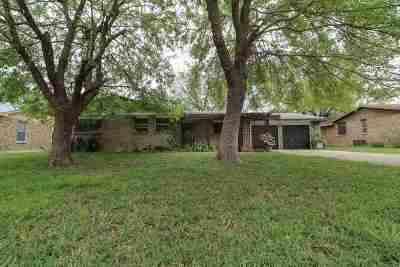 Single Family Home For Sale: 705 Timber Ln