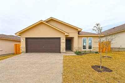 Single Family Home Active-Exclusive Agency: 5306 Hacienda Del Norte