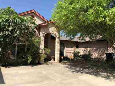 Single Family Home For Sale: 302 Salamanca Cts