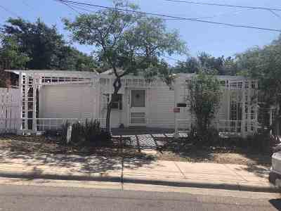 Laredo Single Family Home For Sale: 1609 Hendricks Ave
