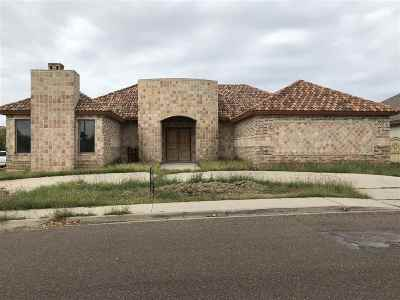 Laredo TX Single Family Home For Sale: $279,900