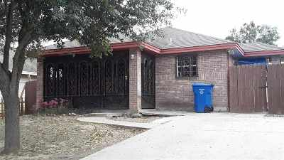 Laredo TX Single Family Home For Sale: $128,000