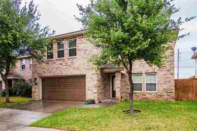 Single Family Home For Sale: 704 Starling Creek Lp