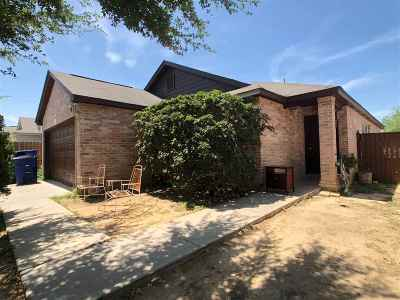 Laredo Single Family Home For Sale: 2208 Mina Verde Rd