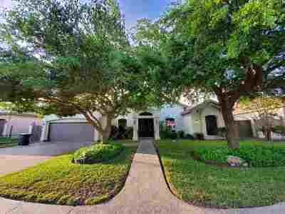 Laredo Single Family Home For Sale: 7624 R.w. Emerson Lp