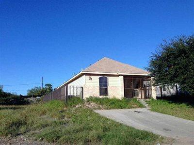 Laredo TX Single Family Home For Sale: $105,000