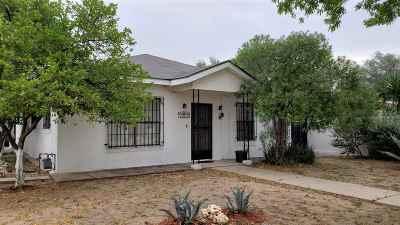 Single Family Home For Sale: 2302 E Lyon St