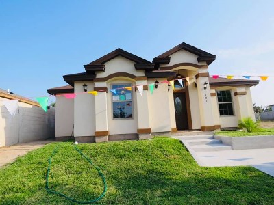 Laredo Single Family Home For Sale: 107 Prada-Machin Dr