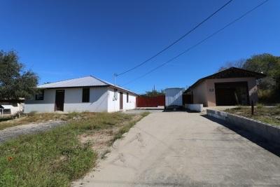 Zapata Single Family Home For Sale: 5220 Rio Lane