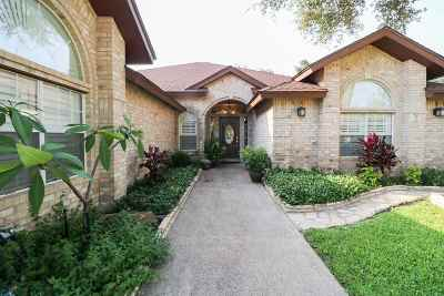 Laredo Single Family Home For Sale: 8315 Country Club Dr