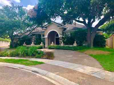 Laredo Single Family Home For Sale: 105 Norman Dr