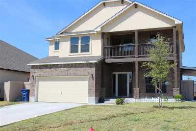 Laredo Single Family Home For Sale: 332 Silverleaf Oak Dr