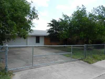 Laredo Single Family Home For Sale: 1120 E Fremont St