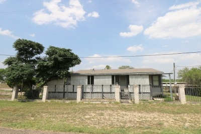 Zapata County Single Family Home For Sale: 302 Penguin St