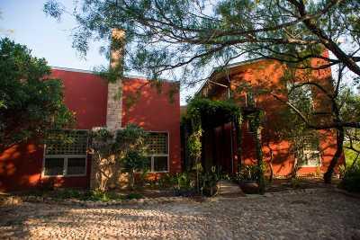Laredo Single Family Home For Sale: 981 El Pico Rd