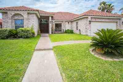 Laredo Single Family Home For Sale: 213 Lake Carnegie Ct.