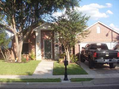 Laredo TX Single Family Home For Sale: $270,000