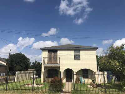 Single Family Home For Sale: 4102 Cedar Ave
