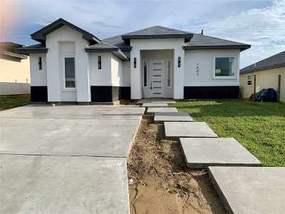 Laredo TX Single Family Home For Sale: $152,500