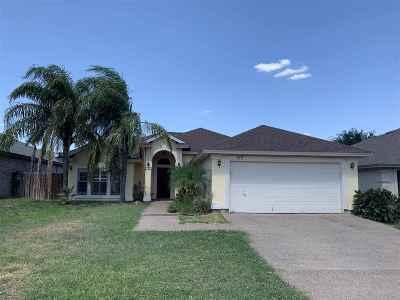 Single Family Home For Sale: 717 Garnet Dr