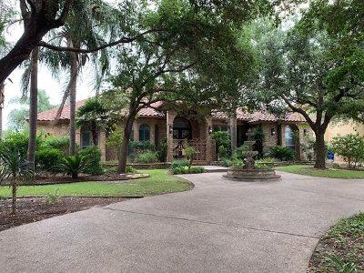 Laredo Single Family Home For Sale: 3114 Fair Oaks Dr
