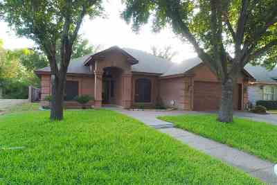 Laredo Single Family Home For Sale: 8404 Forest Lp
