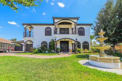 Laredo Single Family Home For Sale: 439 Emerald Lake Dr