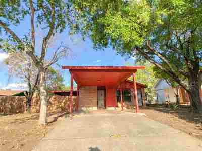 Laredo TX Single Family Home For Sale: $115,000
