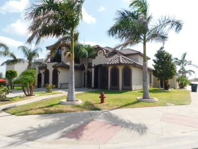 Laredo TX Single Family Home For Sale: $340,000