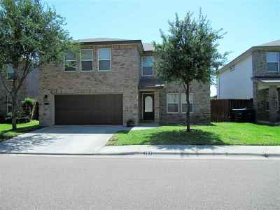 Laredo Single Family Home For Sale: 704 Starling Creek Lp