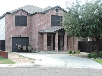 Laredo TX Single Family Home For Sale: $250,000
