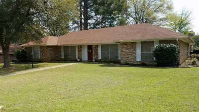Gladewater TX Single Family Home For Sale: $154,000