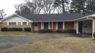 Gladewater TX Single Family Home For Sale: $129,900