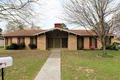 Longview TX Single Family Home For Sale: $143,900