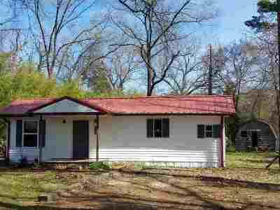 Ore City Single Family Home For Sale: 8014 Glendia Dr.