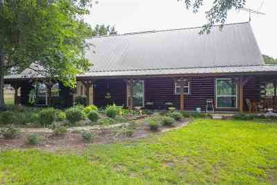 Single Family Home Active, Option Period: 21676 Fm 449