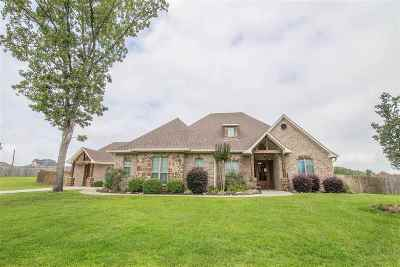 Single Family Home Act, Cont. Upon Sale: 235 Towering Oaks Ln