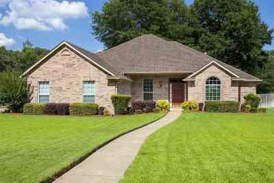 Single Family Home For Sale: 3802 Clarkway Pl