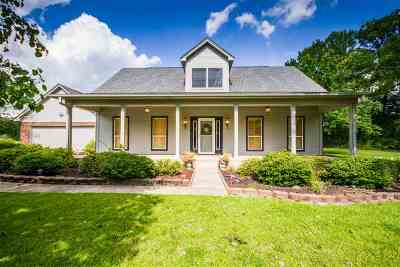 Hallsville Single Family Home For Sale: 120 Chisholm Tr
