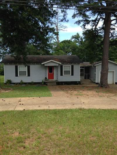 Hallsville Single Family Home Active, Option Period: 509 N Central